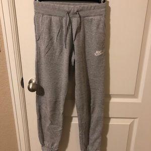 Nike Youth M joggers / sweatpants gray